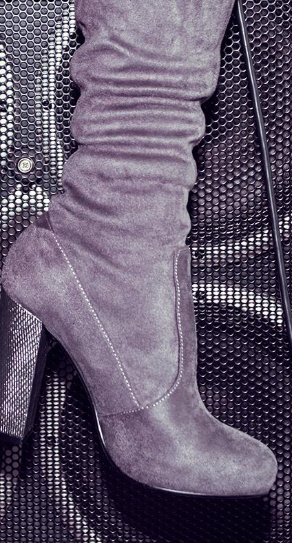 7f289cd5f720 Vstupenkou do vyššej spoločnosti sú tento rok vysoké naťahovacie topánky.  Čižmy